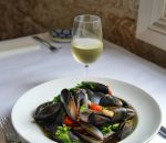 Hot and Spicy Chilli Mussels