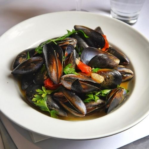 Garlic Mussels with Olive Oil and Parsley