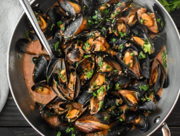 Kinkawooka mussels in tomato base