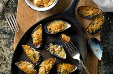 Mussels with Garlic and Breadcrumbs